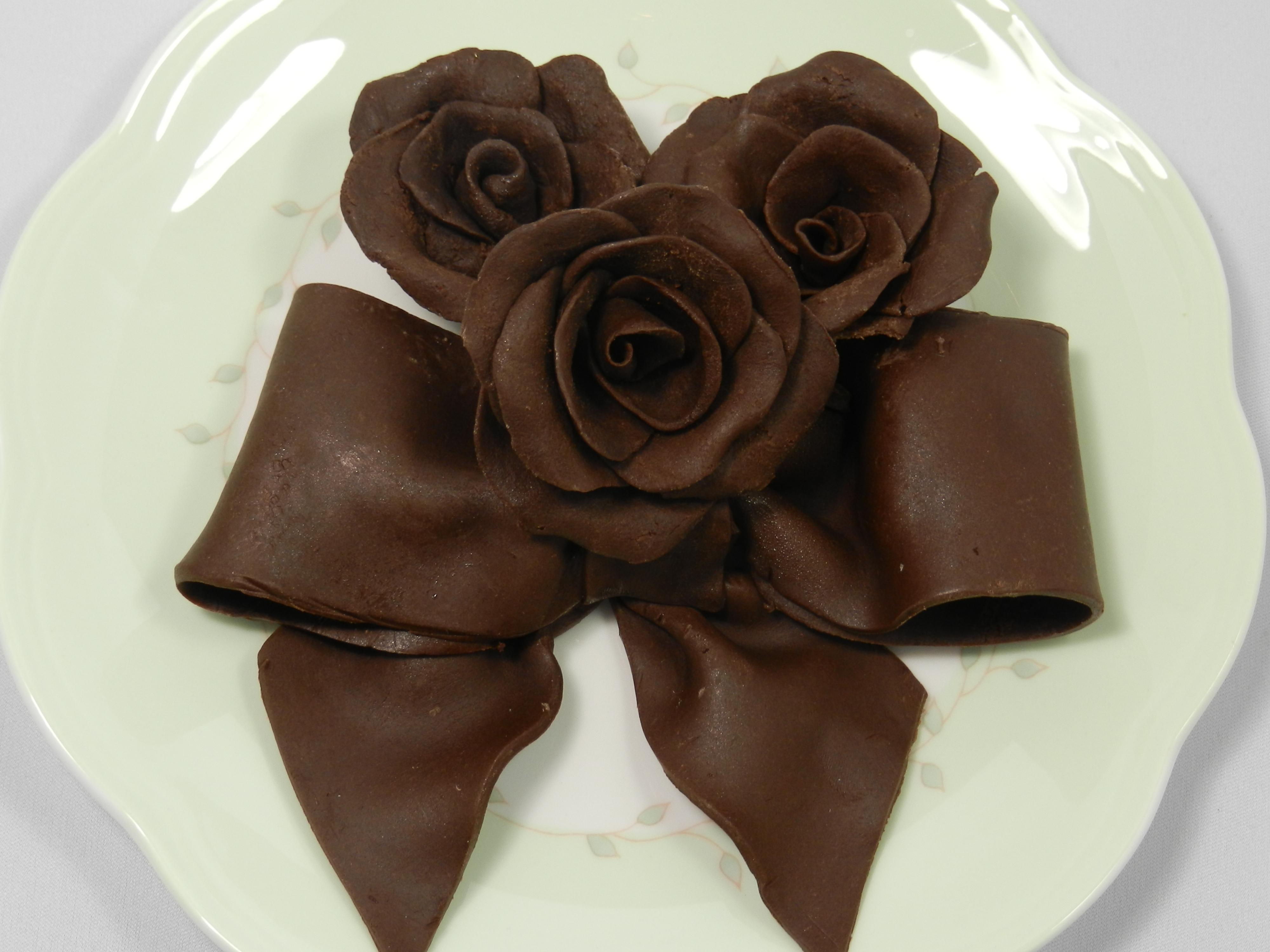 Chocolate Roses, Bows and Other Chocolate Decorations | Julia ...